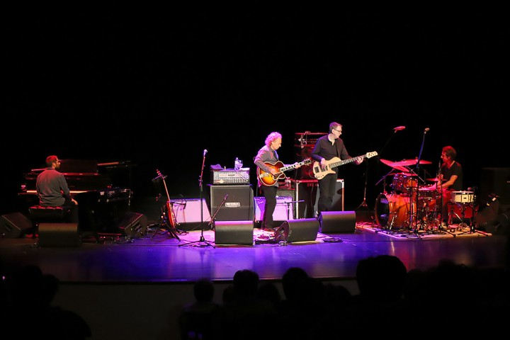 Lee Ritenour and band